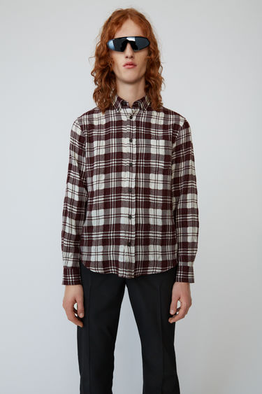 아크네 스튜디오 Acne Studios Textured shadow-check shirt dark berry