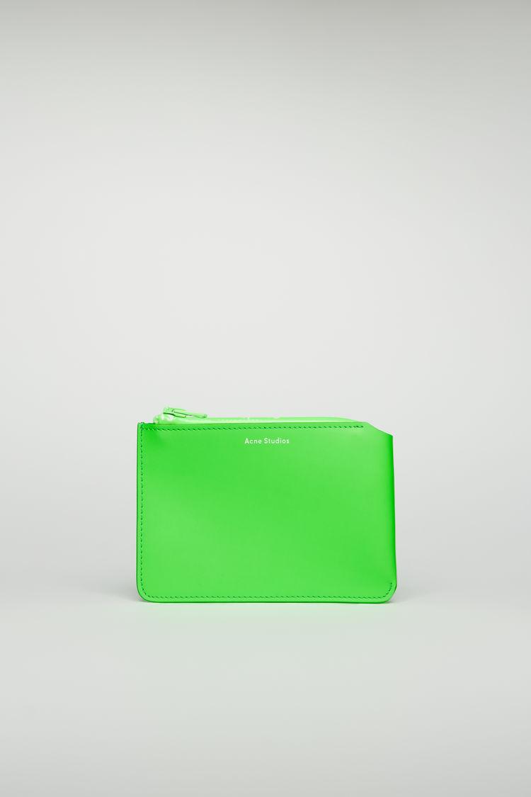 아크네 스튜디오 Acne Studios Logo-zip wallet fluo green