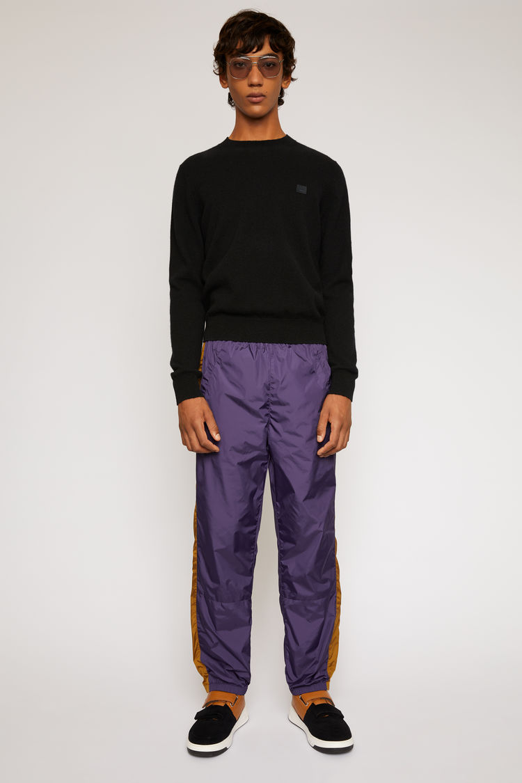 아크네 스튜디오 Acne Studios Striped track pants aubergine purple