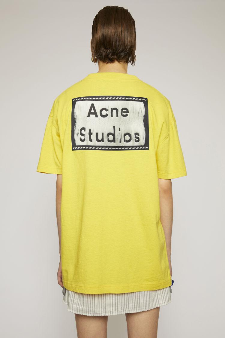 아크네 스튜디오 Acne Studios Reverse-label t-shirt canary yellow