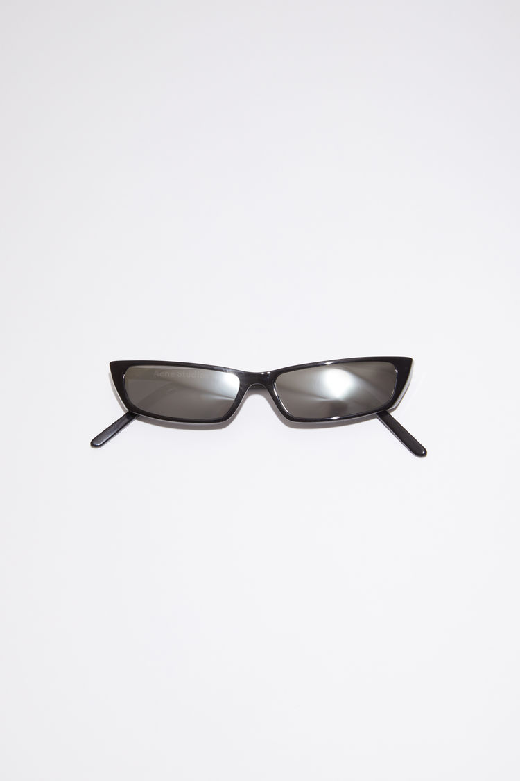 아크네 스튜디오 Acne Studios Cat-eye sunglasses black/silver mirror