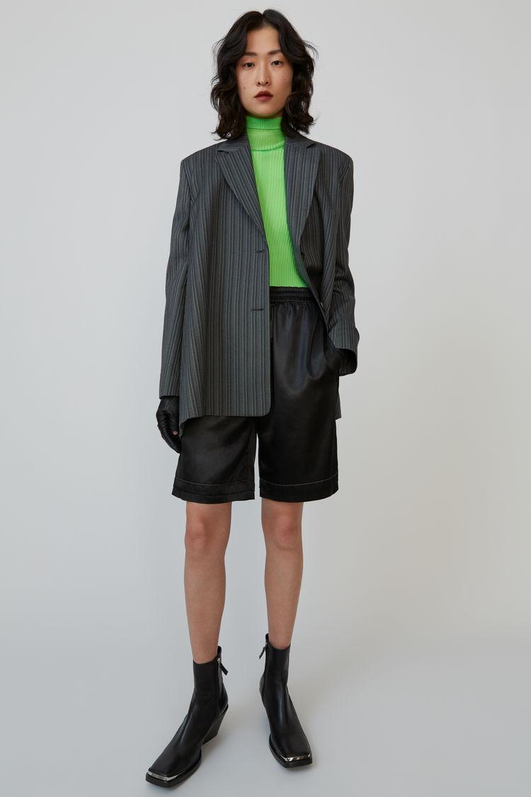 아크네 스튜디오 Acne Studios Knee-length shorts black