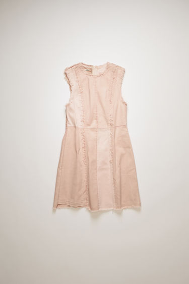 Acne Studios dusty pink dress is crafted using a mix of organic cotton panels in tonal hues and purposely finished with raw edges. It's cut slim through the waist before flaring out towards the hem. This item is individually crafted, therefore, the colour may slightly differ from the images shown.