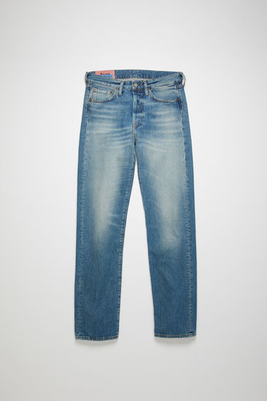 Acne Studios Blå Konst 1996 Mid Blue Trash jeans are cut to sit high on the waist with a straight fit from the hips and finished with a classic five-pocket construction.