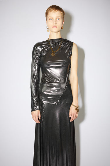 Acne Studios anthracite grey asymmetric t-shirt is made of viscose with a metallic sheen and a slightly asimmetric neck.