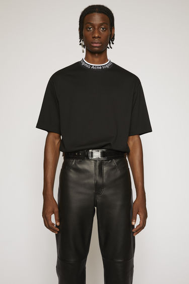 Acne Studios black t-shirt is crafted to an oversized fit from technical brushed jersey and detailed with a ribbed logo-neck trim.