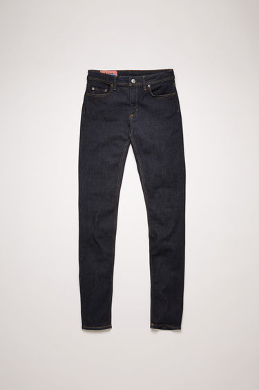 Acne Studios Climb Indigo jeans are crafted from super stretch denim with classic tobacco stitching. They're shaped to a mid-rise silhouette before falling into cropped, skinny legs.
