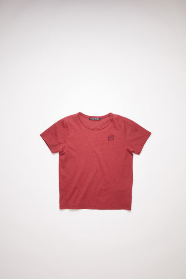 Acne Studios children's deep red crew neck t-shirt is made from organic cotton with a regular fit and a face logo patch.