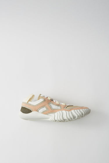 Acne Studios Berun W pink/white are knitted sneakers with contrasting linings and front lace closures.