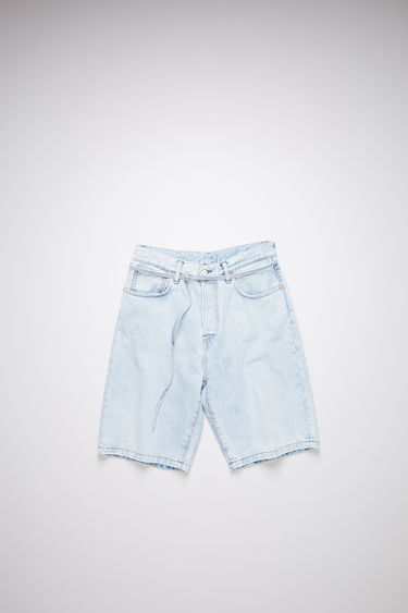 Acne Studios light blue denim shorts are made of cotton with a thin belt.