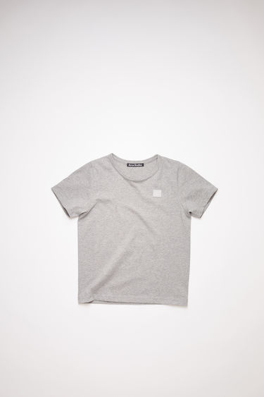 Acne Studios Mini Nash Face light grey melange t-shirt is cut from a lightweight cotton jersey with a ribbed crew neck and short sleeves, then accented with a tonal face-embroidered patch on front.