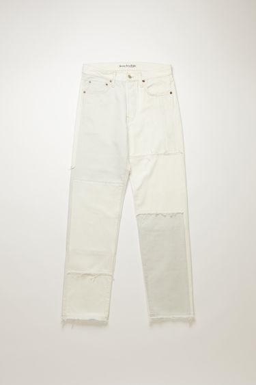 Acne Studios 1996 RF Grey jeans are crafted using a mix of organic cotton and surplus fabric panels in tonal hues. They're cut to sit high on the waistband before falling into loose, straight legs. This item is individually crafted, therefore, the colour may slightly differ from the images shown.