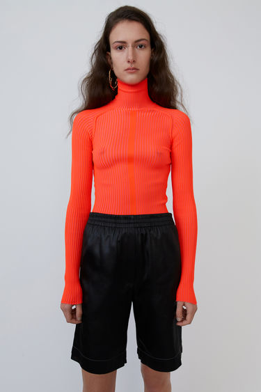 Acne Studios flou red ribbed sweater is finely knitted to a close-fitting silhouette and finished with a high polo neck.