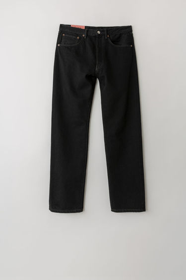 Acne Studios Blå Konst 2003 Black Overdye jeans are cut to sit low on the waist and have a dropped inseam that sets a loose silhouette. They are finished with a classic five-pocket construction.