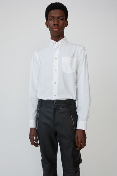 725315637952 Ready-to-wear Isherwood Soft Pop Optic White 375x · Classic fit shirt