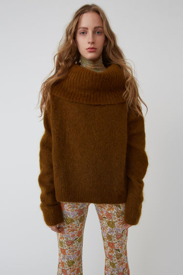 Acne Studios FN-WN-KNIT000009 Cognac brown 375x