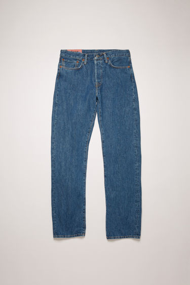 Acne Studios 此款 Blå Konst 1997 Dark Blue Trash 牛仔裤采用高腰直筒版型。
