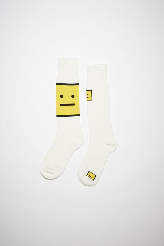 아크네 스튜디오 양말 Acne Studios Cotton knee socks - White/yellow