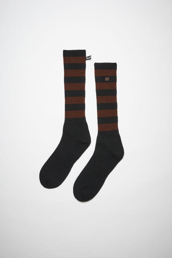 아크네 스튜디오 양말 Acne Studios Striped wool socks - Black/brown