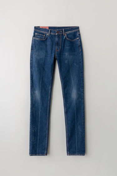Acne Studios Blå Konst North Blue Crease jeans are crafted with comfort stretch denim and cut to a mid-rise with a skinny fit. They are finished with a crease wash.