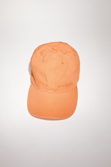 Acne Studios melon orange cotton baseball cap has a classic six panel design, featuring a logo embroidery on the front.