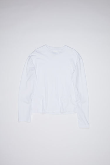 Acne Studios optic white crew neck t-shirt is made of cotton with long sleeves and an Acne Studios logo tab.