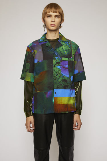 Acne Studios navy/green shirt is cut from lightweight cotton to a boxy silhouette and patterned with an abstract botanical print.This item is individually crafted, therefore, the print may slightly differ from the images shown.