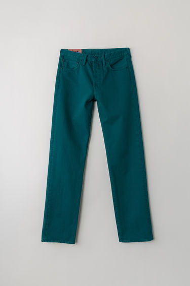 Acne Studios Blå Konst 1996 Reactive Dye Ocean Blue jeans are cut to sit high on the waist with a straight fit from the hips and finished with a classic five-pocket construction.