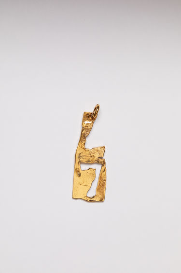 Acne Studios pendant is crafted from a hammered gold-tone brass and features a stencil of the letter 'L'  The pendant can be personalised with a chain necklace.