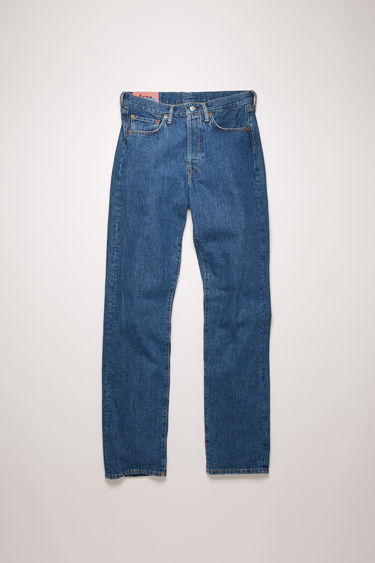 Acne Studios Blå Konst 1996 Dark Blue Trash jeans are cut to sit high on the waist with a straight fit from the hips and finished with a classic five-pocket construction.