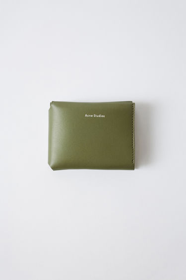 acne quartz wallet