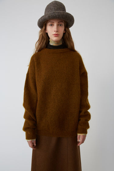 Acne Studios Dramatic Moh Cognac brown 375x