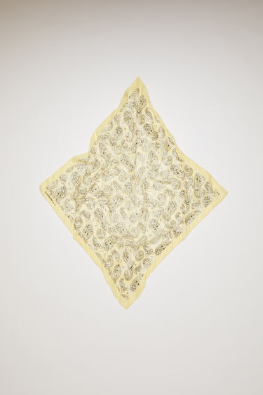 Acne Studios lemon yellow scarf offers is crafted to a square shape from a creased cotton blend and then printed all over with a paisley pattern - with a soft, washed out finish.