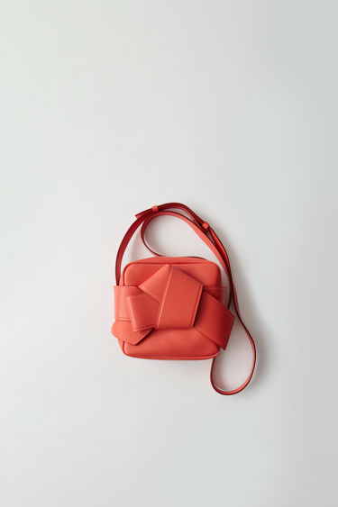 Leather goods Musubi Camera Coral red/burgundy 375x