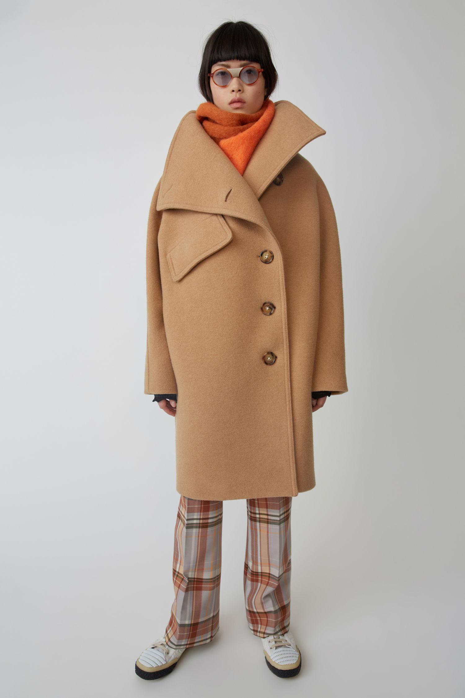 Funnel neck coat camel brown