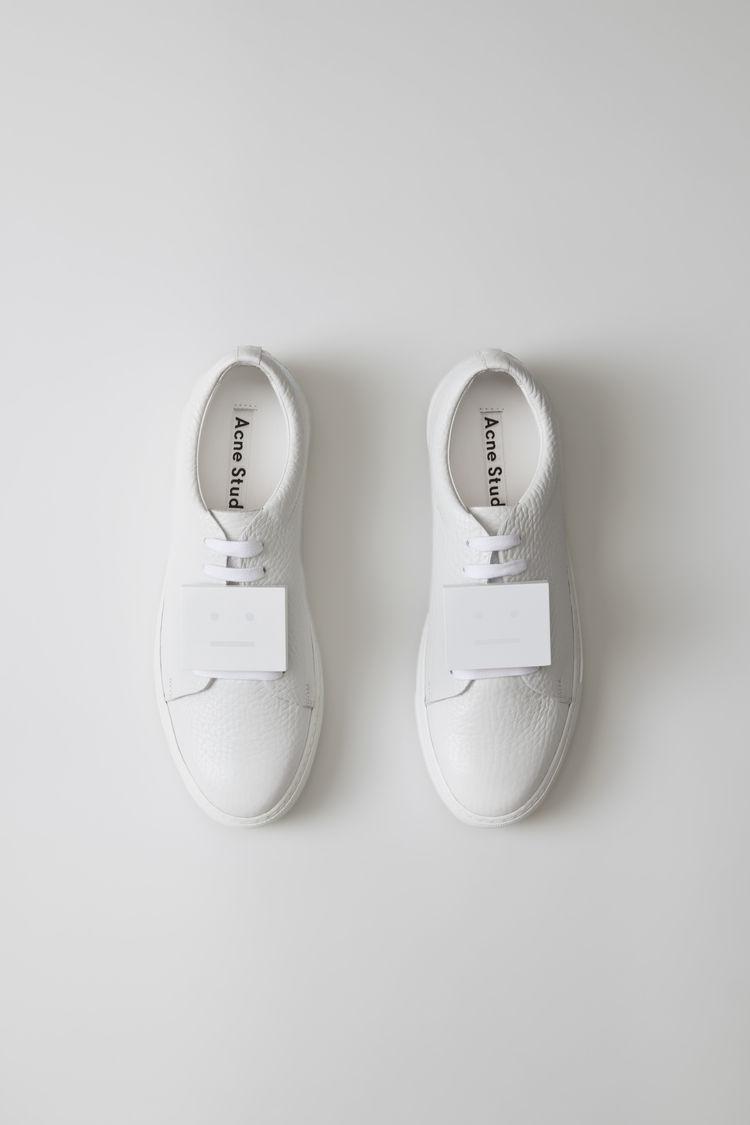 acne sneaker